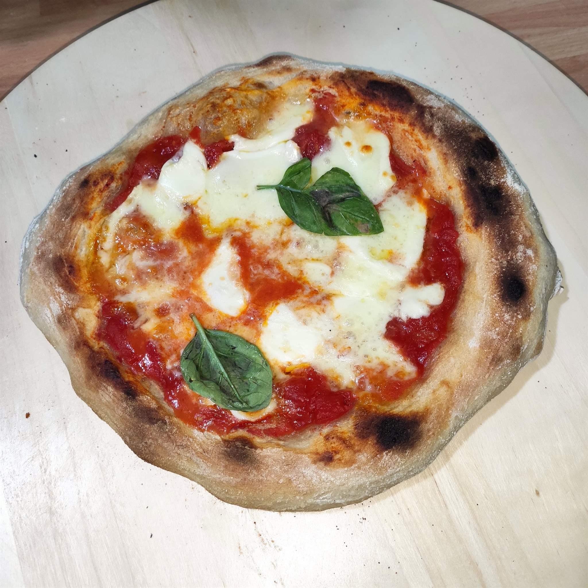 Ricetta Impasto Pizza Napoletana Planetaria.Pizza Napoletana A Lunga Lievitazione E Alta Idratazione In Cucina Con Mariatta